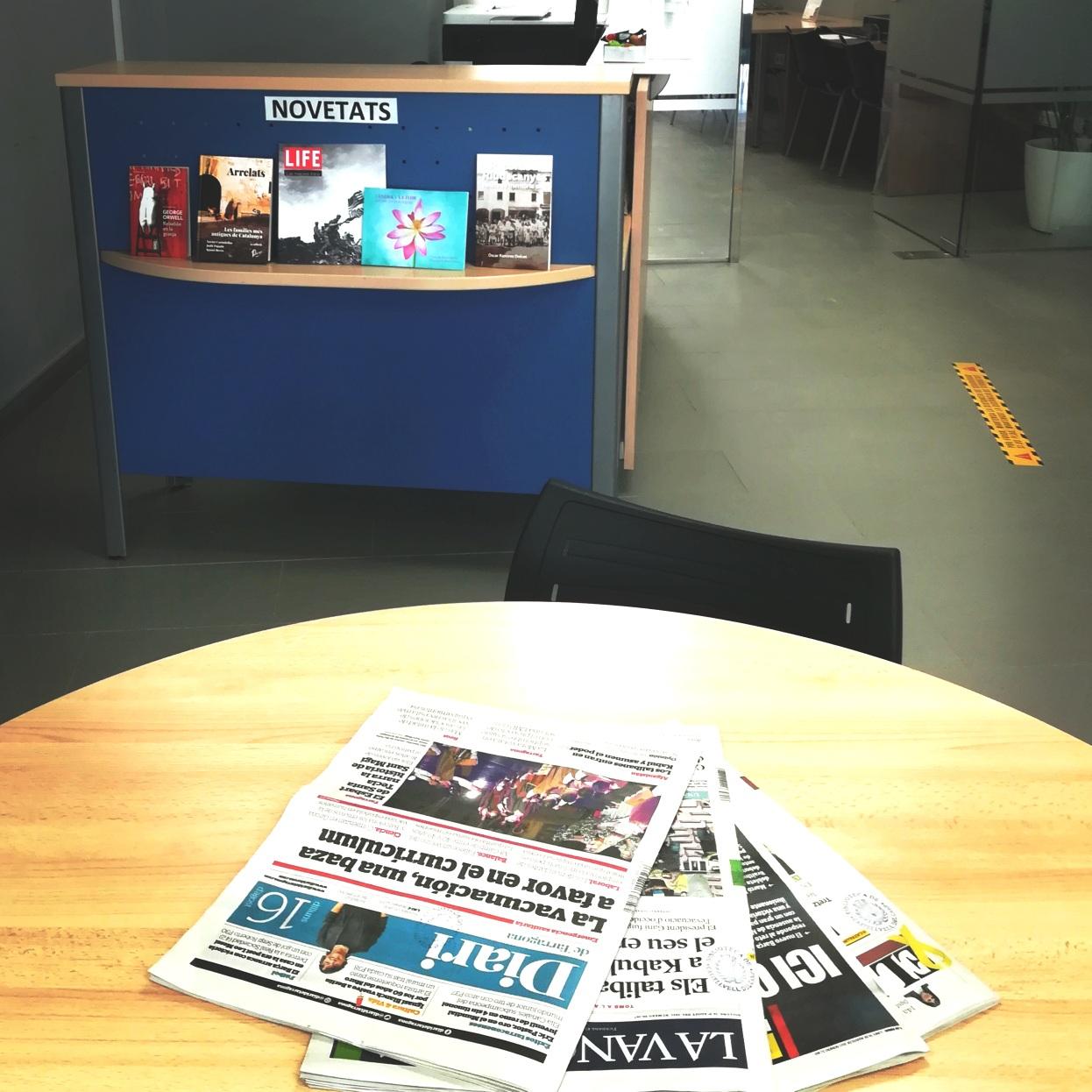 Consulta el diari a la Biblioteca